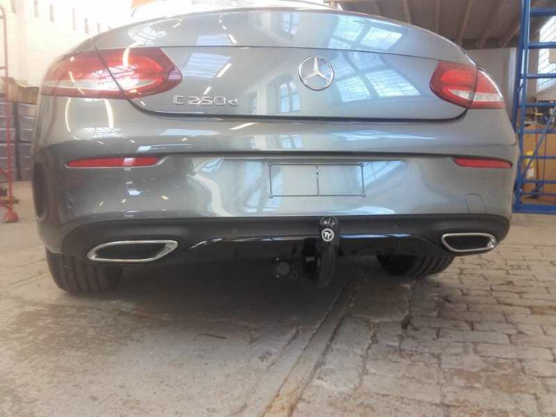 Mercedes C250d with a towbar
